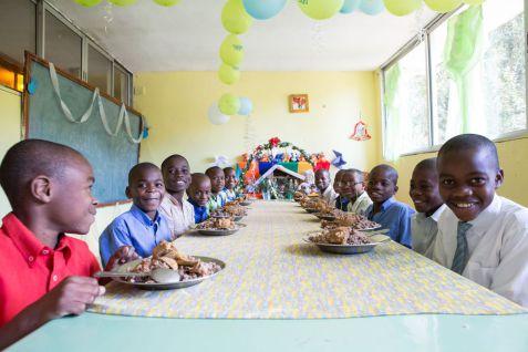 Ausstattung der Krankenstation im nph-Kinderdorf St. Hélène in Haiti